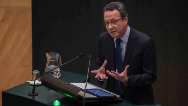 Vox y «otros partidos» tantean a Íñigo Henríquez de Luna tras abandonar el PP