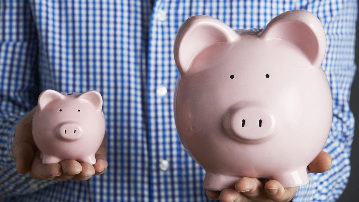 Hacer una inversión para comenzar un negocio. (Foto: Istock)