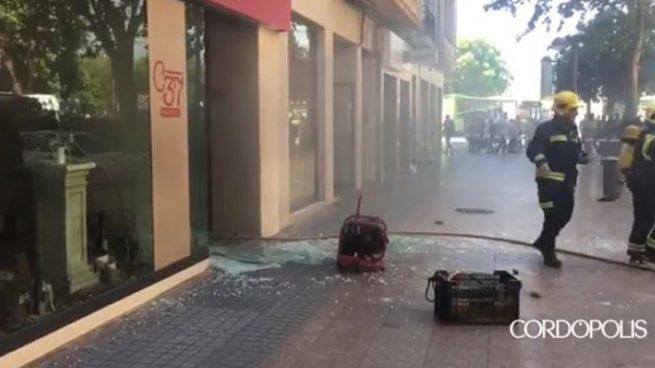 Cuatro heridos en una explosión de gas en un bar de Córdoba