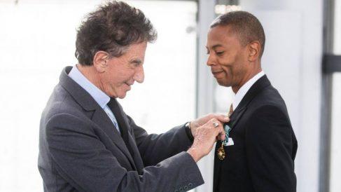 Jeff Mills recibe la medalla de la Orden de las Artes y las Letras de Francia.