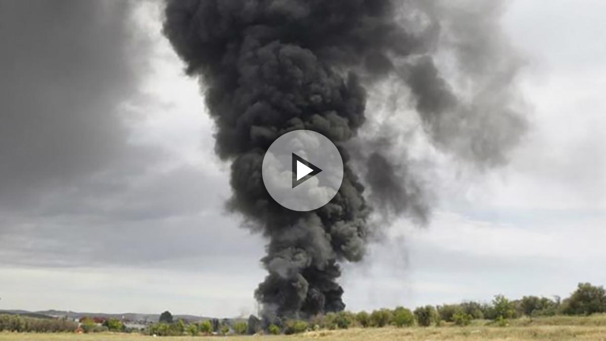 Quince heridos es el balance provisional de las explosiones registradas en una nave de reciclaje de residuos en Arganda del Rey, cuya onda expansiva ha afectado a otras cuatro instalaciones anexas.