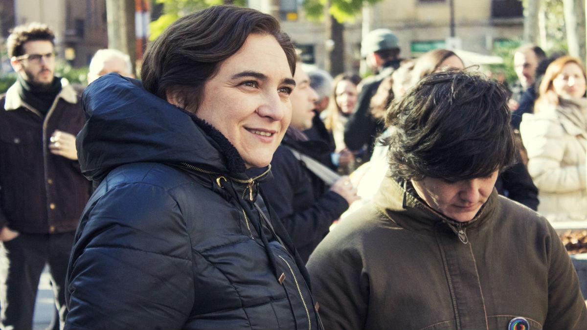 Ada Colau y Gala Pin (Foto: Página oficial de Ciutat Vella)