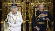 Isabel II y Felipe de Edimburgo. (Foto: AFP)