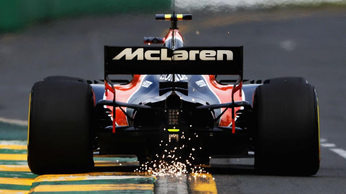 Desde las altas instancias de McLaren empiezan a pensar que sería mejor que Honda empezase a trabajar de cara a la temporada 2018. (Getty)