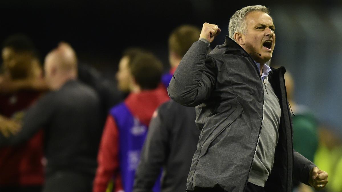 Mourinho celebra el gol de Rashford. (AFP)