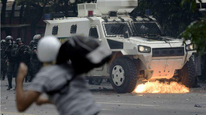 Muere un policía tras un disparo en una de las marchas contra Maduro en Venezuela