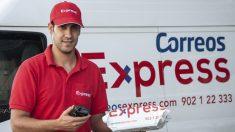 Empleado de Correos Express (Foto: Correos)
