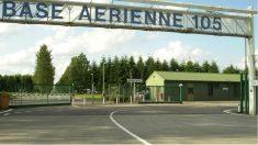 Base militar de Evreux, junto a la que se hallaron las armas escondidas en un matorral a las pocas horas de detener a un ex soldado radicalizado.
