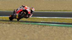 Dani Pedrosa rueda sobre el circuito de Jérez. (AFP)
