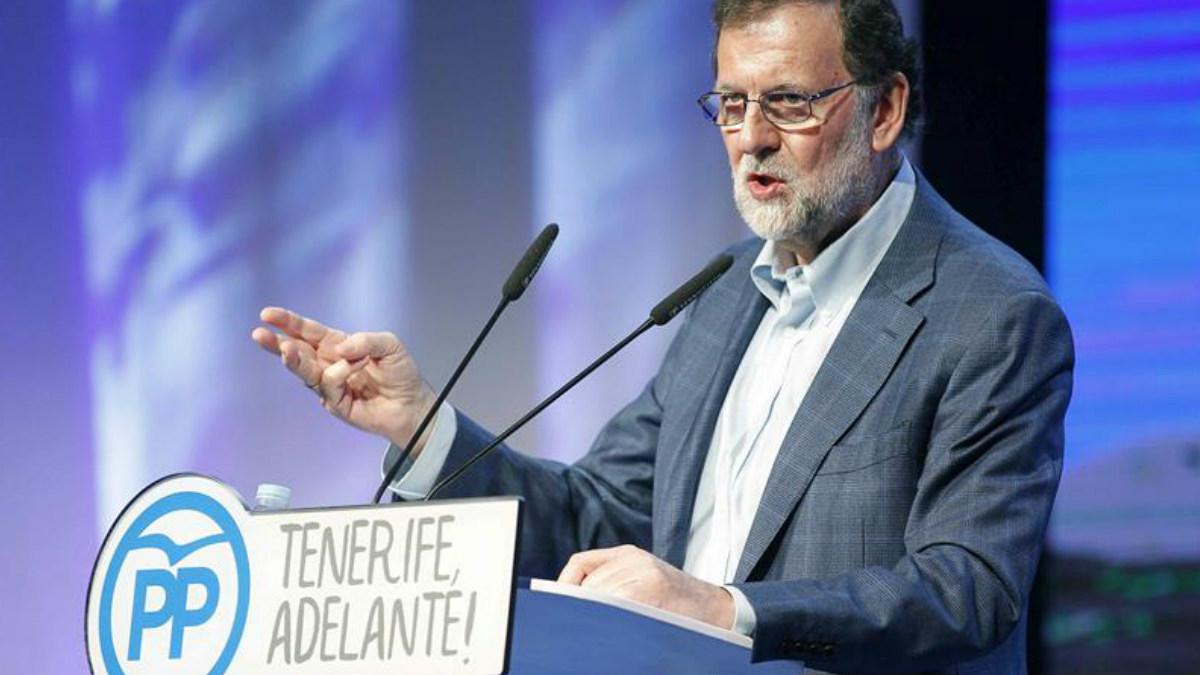El presidente del Gobierno y del PP, Mariano Rajoy, durante su intervención hoy en la clausura del VIII Congreso Insulardel partido en Tenerife. Foto: EFE