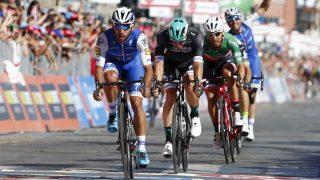 Gaviria se impone al sprint en Cagliari. (AFP)