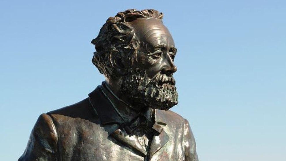 Escritor, poeta y dramaturgo francés, Julio Verne fue conocido por sus excelentes novelas de aventuras.