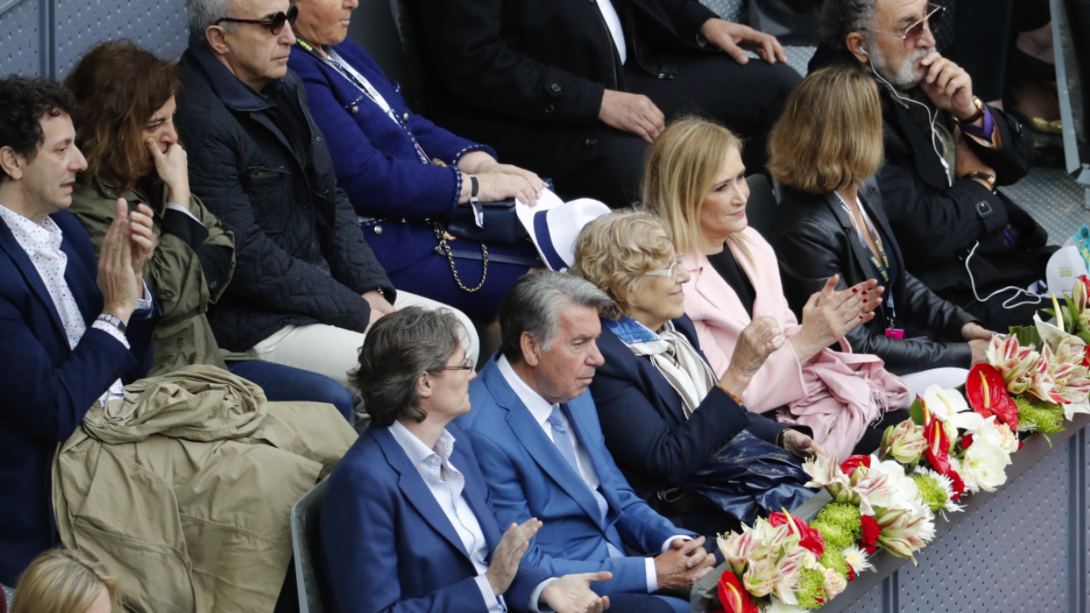 Palco de autoridades del Open en 2016 con Manuela Carmena o Celia Mayer (arriba a la izquierda).  (Foto: Madrid)