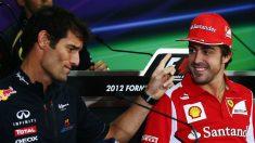 Mark Webber se rinde a Fernando Alonso asegurando que es muy valiente por querer aceptar el reto de conseguir la Triple Corona. (Getty)