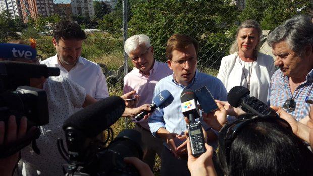 Carmena no tomará medidas contra los ediles que denunciaron al Open y no teme la querella del PP