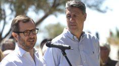 El vicesecretario de sectorial del PP, Javier Maroto (i), y el presidente del PPC, Xavier García Albiol (d) (Foto: Efe)
