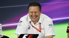 Zak Brown, actual CEO de McLaren, ha asegurado que el equipo británico no tiene entre sus planes equipar motores Mercedes en un futuro próximo. (Getty)