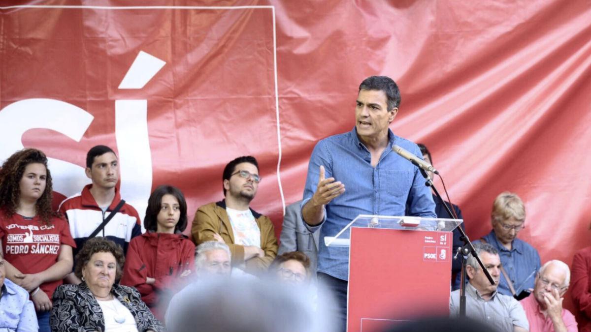 Pedro Sánchez, en la apertura de la campaña de las primarias, en Cáceres.
