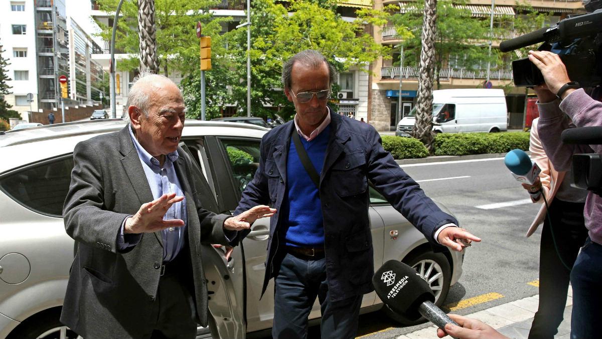 Jordi Pujol calla ante los periodistas al trascender que Marta Ferrusola era «la madre superiora» (Foto:EFE)