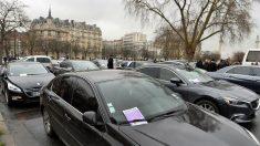 Vehículos de Uber con licencia VTC en París (Foto: GETTY).