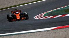 Fernando Alonso con el MCL32 (Getty)