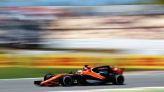 Fernando Alonso a bordo del MCL32 (Getty)