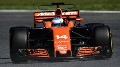 Fernando Alonso a bordo del MCL32 (Getty)
