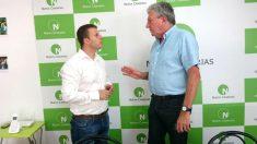 Alejandro Jorge junto al diputado de Nueva Canarias, Pedro Quevedo.