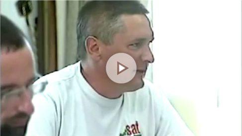 """El traductor de """"Er Prinzipito"""", Juan Porras, en un Pleno del Ayuntamiento de Mijas."""
