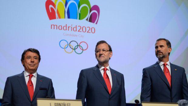 Ignacio González, Mariano Rajoy y el Rey Felipe VI en la candidatura de Madrid 2020.
