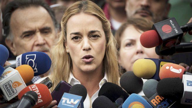 El régimen dictatorial de Maduro confisca 11.000 dólares a Lilian Tintori