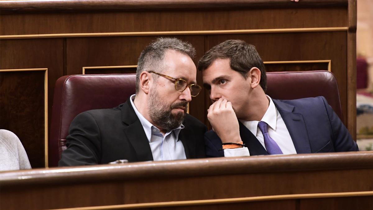 Juan Carlos Girauta y Albert Rivera. (Foto: AFP)