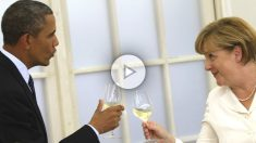 Obama y Merkel brindando