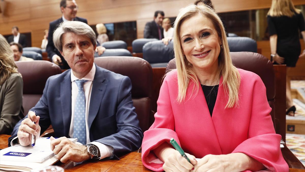 Ángel Garrido y Cristina Cifuentes. (Foto: EFE)