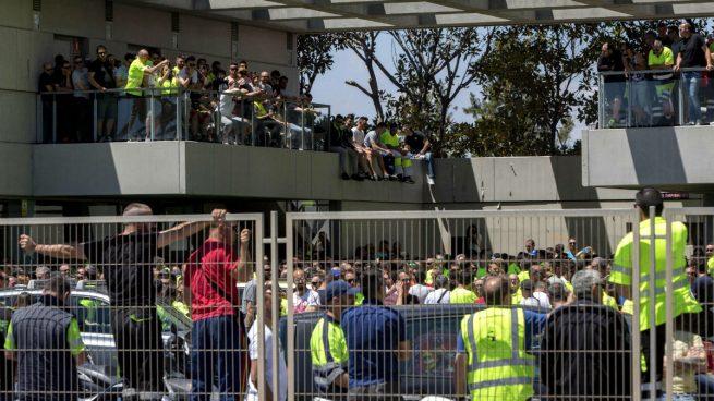 Los sindicatos y la patronal se reunirán el lunes para evitar la huelga de estibadores
