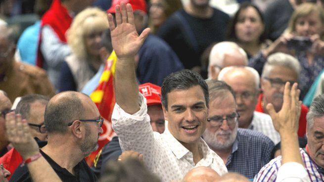 """Sánchez dice que si gana el PSOE no apoyará la moción de Podemos: """"Es montar un número"""""""