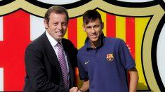 Sandro Rosell y Neymar. (AFP)