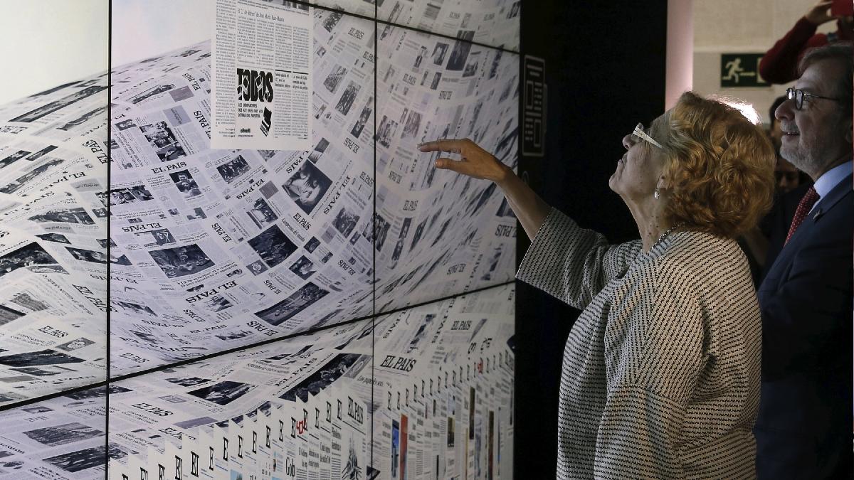 La alcaldesa en una exposición virtual. (Foto: EFE)