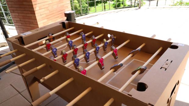 Carmena convierte en barrenderos a los estudiantes de la Complutense a cambio de gafas 3D