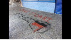 Pintada de Otegi en la sede del PP de Coslada. (tw)