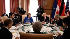 Trump, Merkel, Gentiloni, Abe y el resto de líderes del G7 en la mesa de la cumbre de Taormina. (AFP)