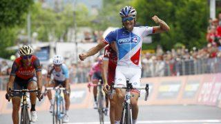 Pinot celebra su victoria en el Giro. (AFP)