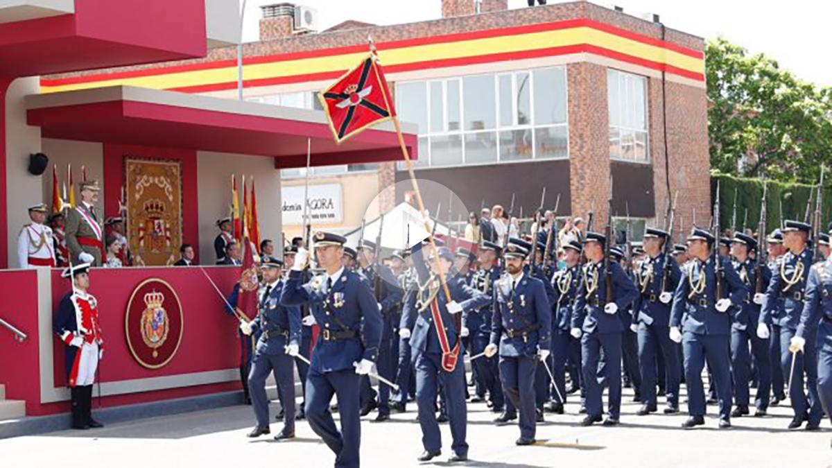 Desfile de las Fuerzas Armadas en Guadalajara. (Foto: Casa Real)