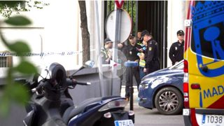 Policía y emergencias en el lugar del suceso.