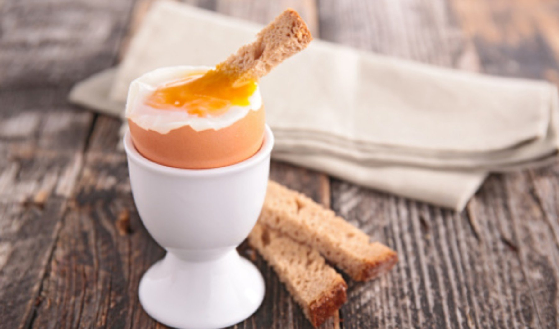 Cómo hacer huevos pasados por agua: temperatura y tiempo