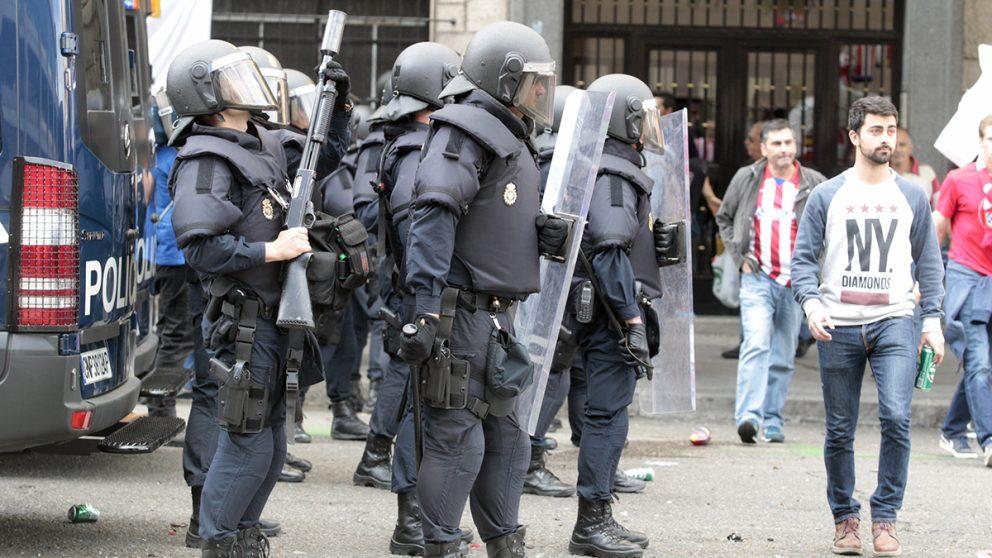 Antidisturbios de la Policía (Foto: Francisco Toledo).