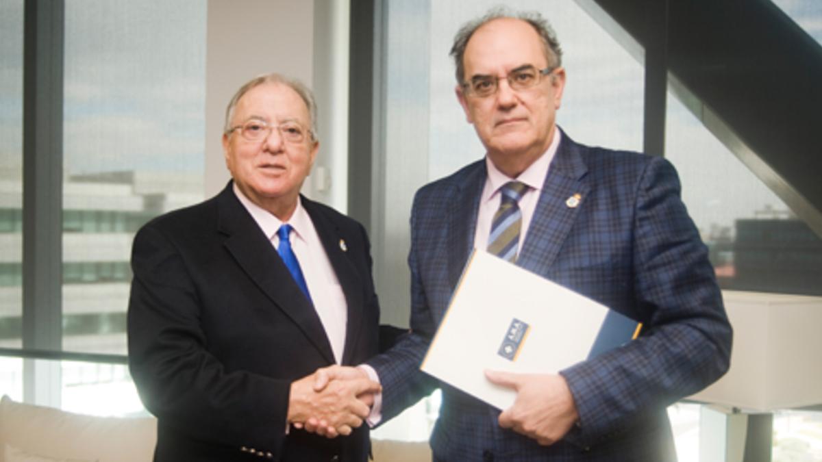 Diego Murillo, ex presidente de A.M.A Seguros, junto con el nuevo presidente de la compañía Luis Campos (Foto: A.M.A.)