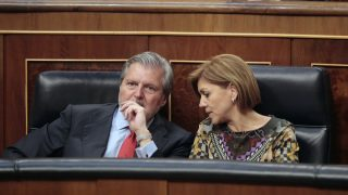Méndez de Vigo y María Dolores de Cospedal en el Congreso de los Diputados (Foto: Francisco Toledo)