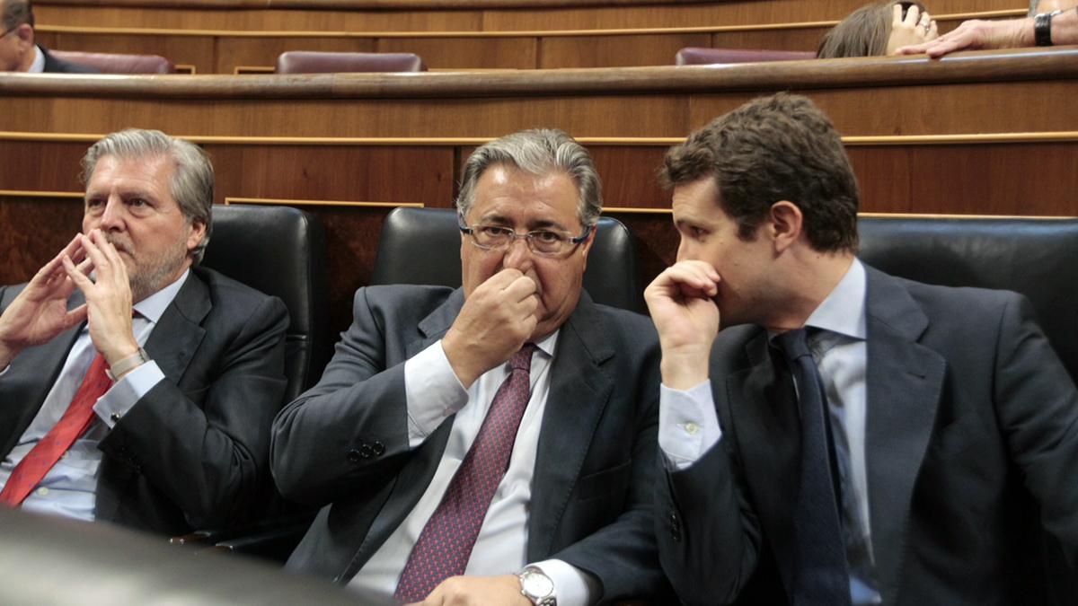 El ministro de interior Juan Ignacio Zoido, el portavoz Pablo Casado (Foto: Francisco Toledo)