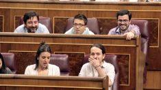 Pablo Iglesias y la bancada de Podemos en el Congreso (Foto: Francisco Toledo)